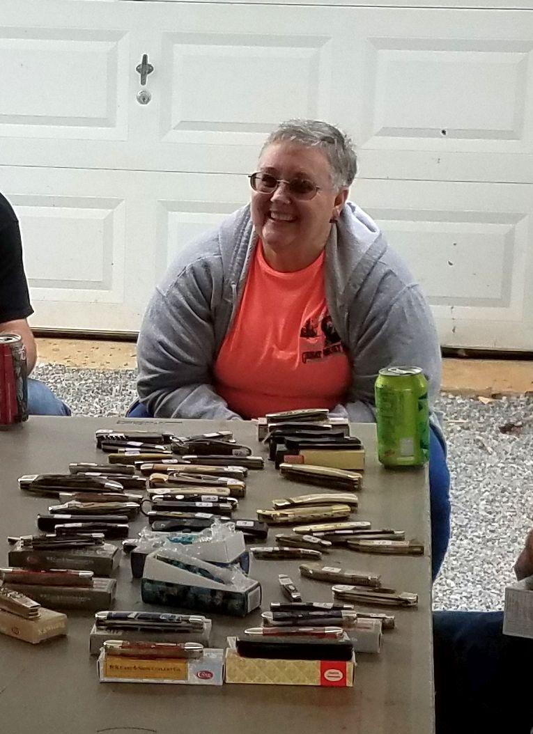 "The ""Big Boy's Blades Knife Show"" goes Facebook viral"
